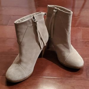 Tom's Suede Ankle Boots Women's Size 8